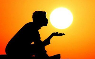 مالك التويجري واللعب مع الشمس