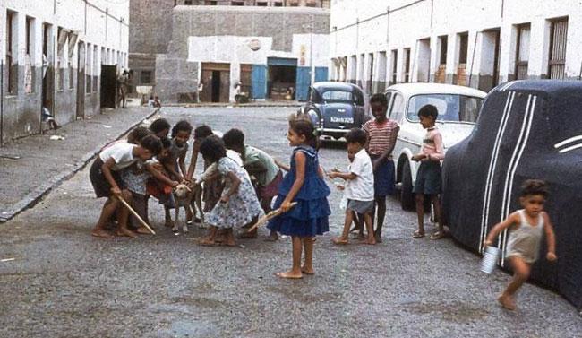 أطفال الشارع